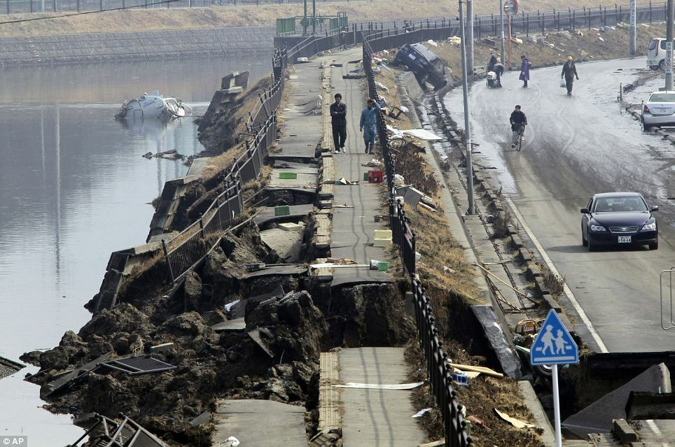 collapse - destroyed_road